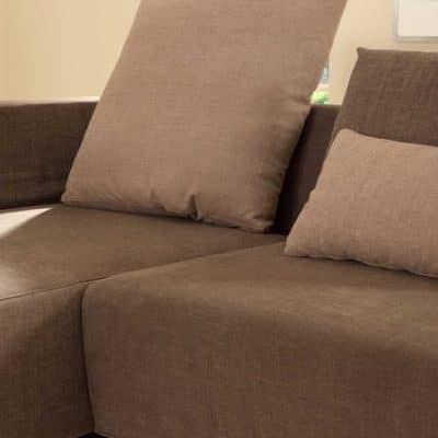 Sofaprogramm Giglio, Detail Faltkissen als Rückenlehne