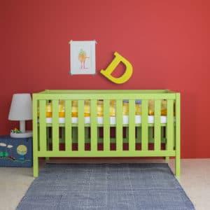 Babybett in lindgrün
