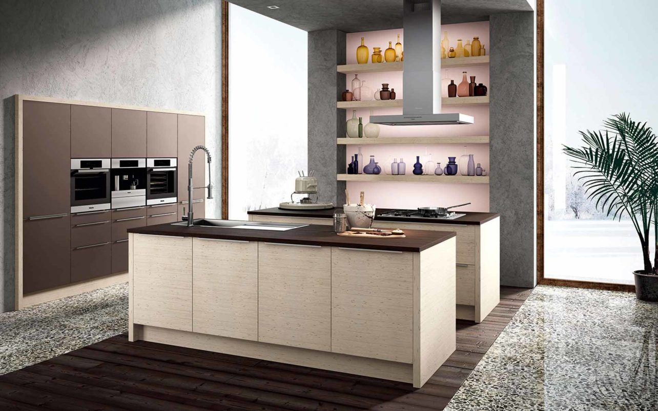 Massivholzküche Picea in Fichte mit raffinierter Oberflächenstruktur, weiß geölt. Arbeitsplatte Schwarzeiche. Kochinsel und Spülinsel.