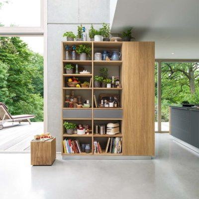Regal Cubus mit Laden in Glas und Holztüre.